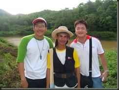 ถ่ายรูปกับพี่สมชายคนดังของ สาสบหก ซะหน่อย